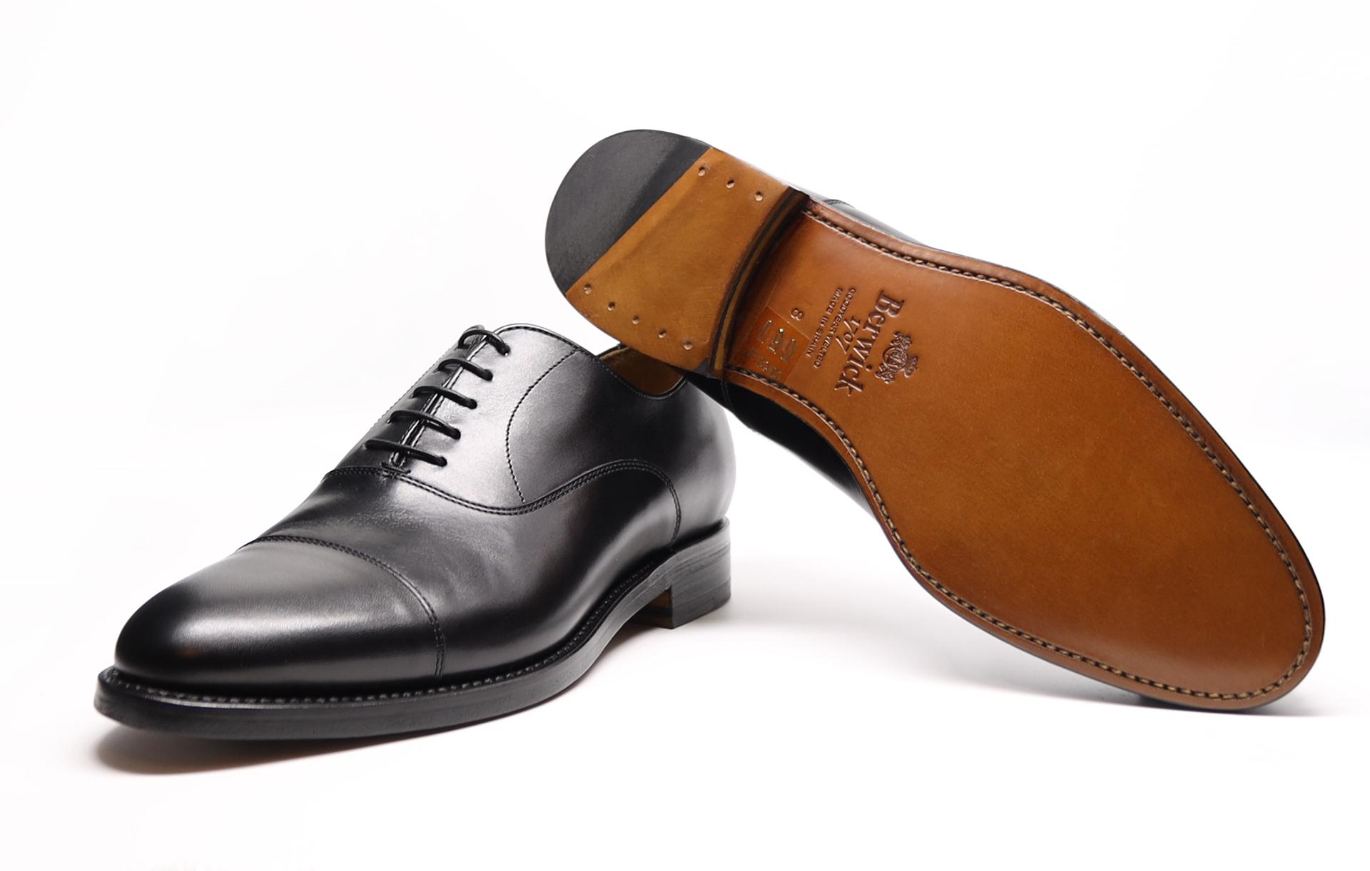 BERWICK Captoe Oxford Schwarz Lavita Schuhe