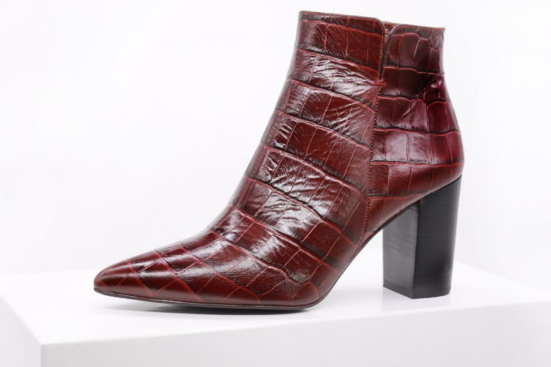 rote_ankle_boots_damen_einer_small
